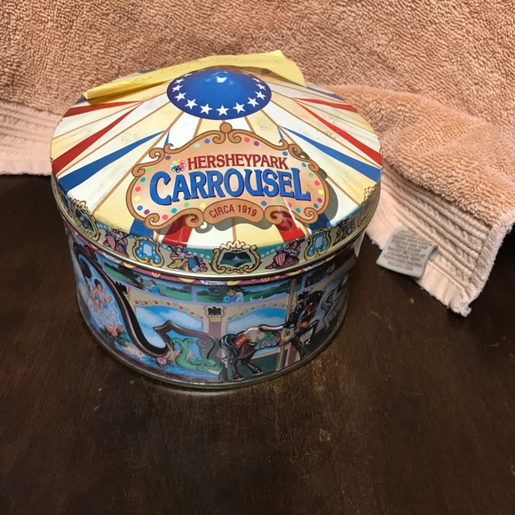 Other - Vintage Hersey carousel tin